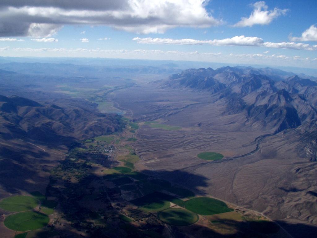 Cloud Base at 16,700' over Mackay looking north